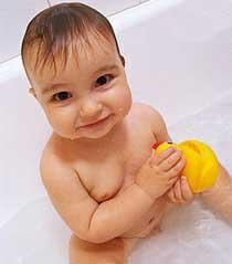 I capelli del neonato vanno lavati quotidianamente?